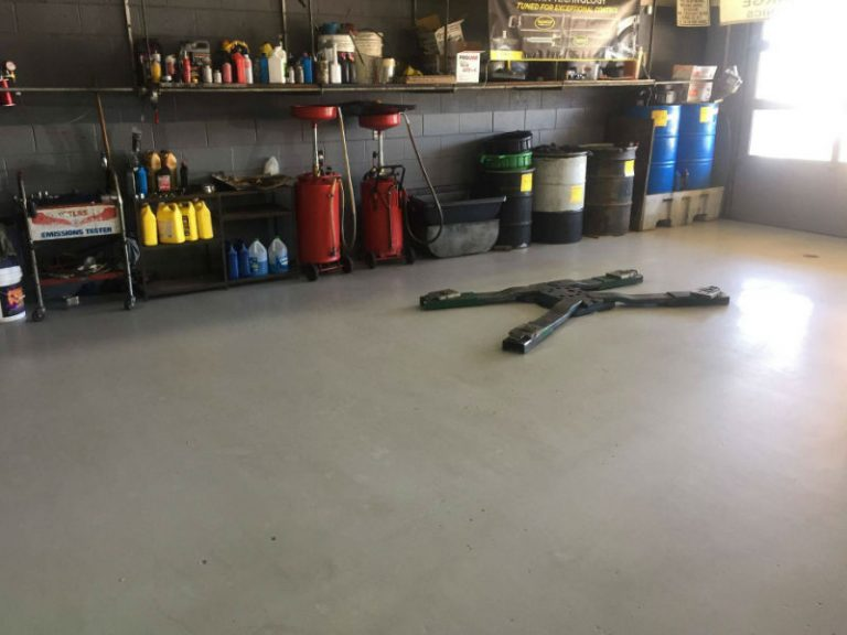 auto service shop for tune up and oil change